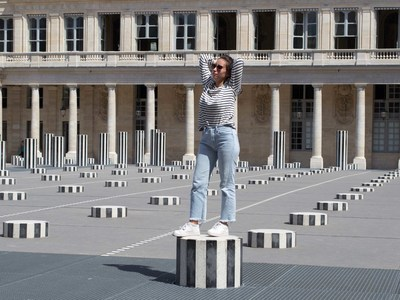 Small homigalli made in france paris colonnes de buren delfina