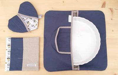 Small sac a tarte bleu et maniques