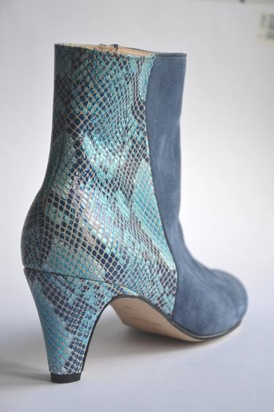 Small bottine bleu daim serpent marie paris