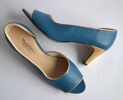 Small escarpins bleu   dor  marie paris